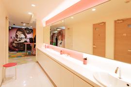 プリクラSHOP NOAにパウダールーム・トイレ・フィッティングルームができました!